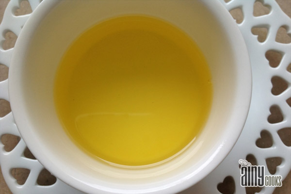 HOMEMADE GHEE WITH BUTTER