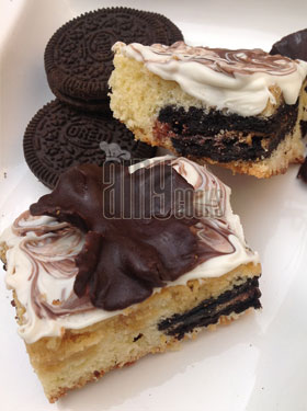 WHITE CHOCOLATE BROWNIE WITH OREO