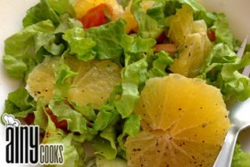 ITALIAN ORANGE AND MIXED LEAVES SALAD WITH LIME DRESSING