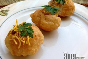 FILLED PANI PURI