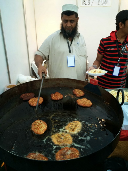 karachi-eats-food-festival---chapli-kebab