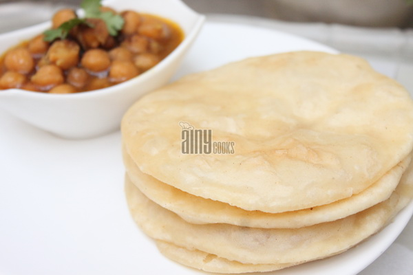 chana bhature m