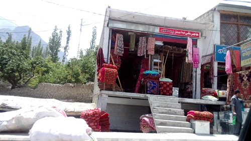 life in skardu new bazar4