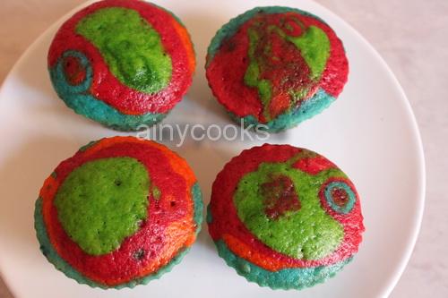 rainbow cupcakes d