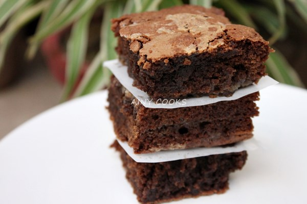 brownie caramel m