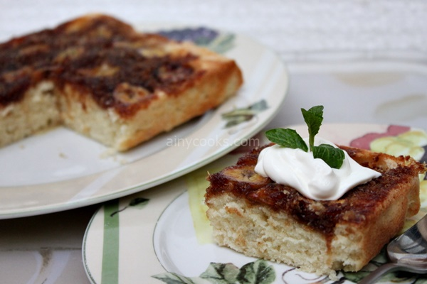 banana upside down cake m