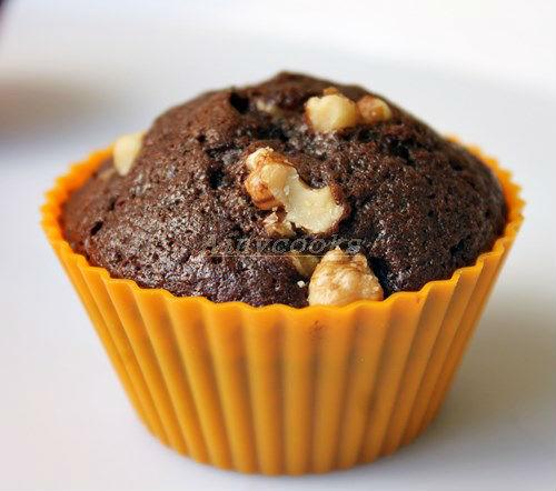 walnut cupcakes d