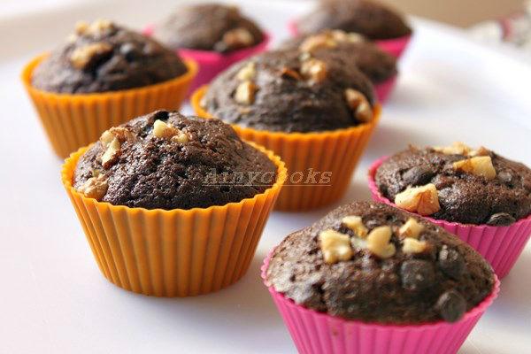 walnut cupcakes m