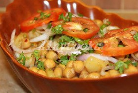 FRIED WHITE CHANA CHAT