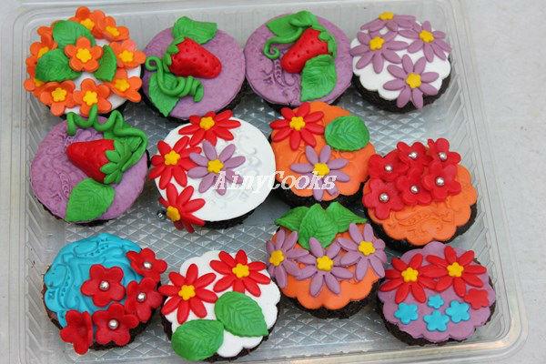 spring cupcakes m