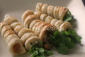 chicken puff rolls f