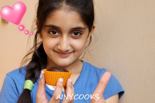 chocolate-cupcake-d