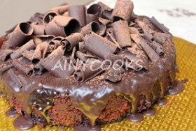 CHOCOLATE CAKE WITH NUTELLA CHEESY FILLING