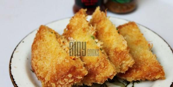 CHICKEN CHEESE BREAD POCKETS