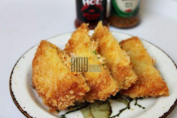 chicken cheese pockets m